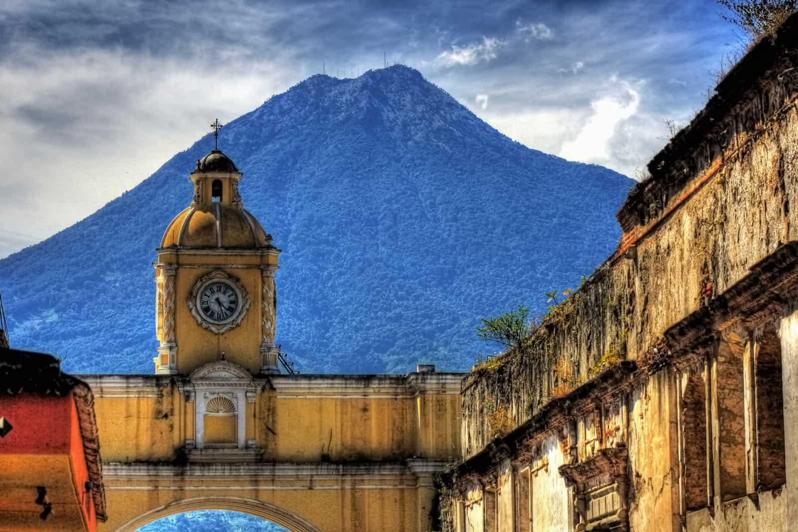 guatemalan cofee - volcano