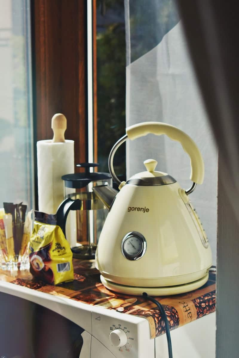 french press and a kettle